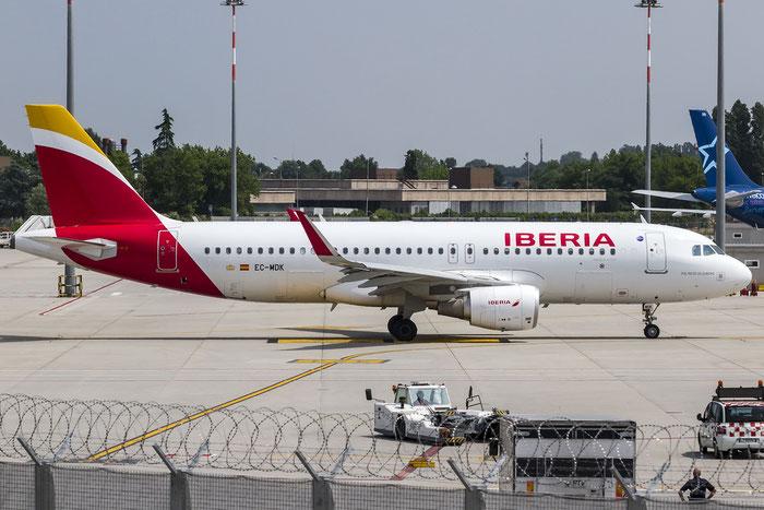 EC-MDK A320-214 6328 Iberia Líneas Aéreas de España @ Venezia Airport 30.05.2015 © Piti Spotter Club Verona