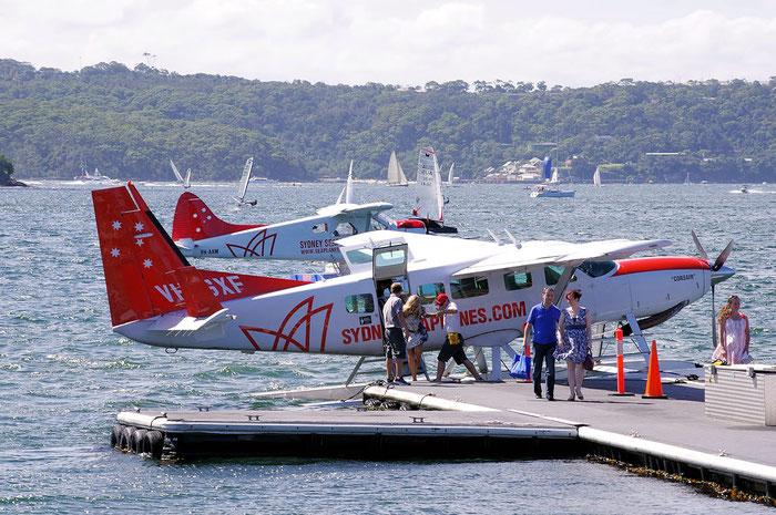 VH-SXF Cessna 208 Caravan @ Sydney .2011 © Piti Spotter Club Verona