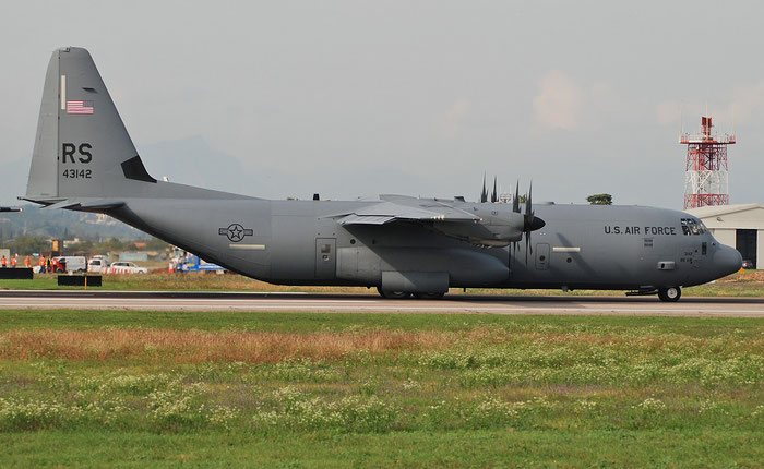 04-3142  RS  C-130J-30  382-5558  37th AS © Piti Spotter Club Verona