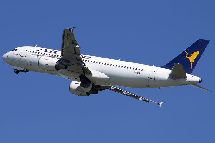 I-WEBB  A320-214  3161  Air One @ Venezia 20.07.2014 © Piti Spotter Club Verona