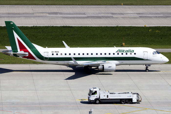 EI-RDO ERJ175STD 17000348 Alitalia CityLiner @ Zurigo Airport 05.2016 © Piti Spotter Club Verona