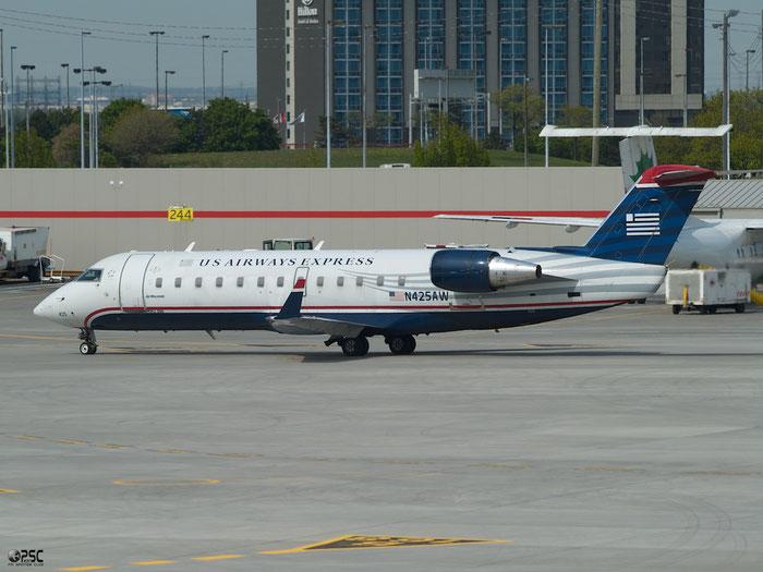 N425AW CRJ200LR 7663 Air Wisconsin @ Toronto Pearson Airport 17.05.2013 © Piti Spotter Club Verona
