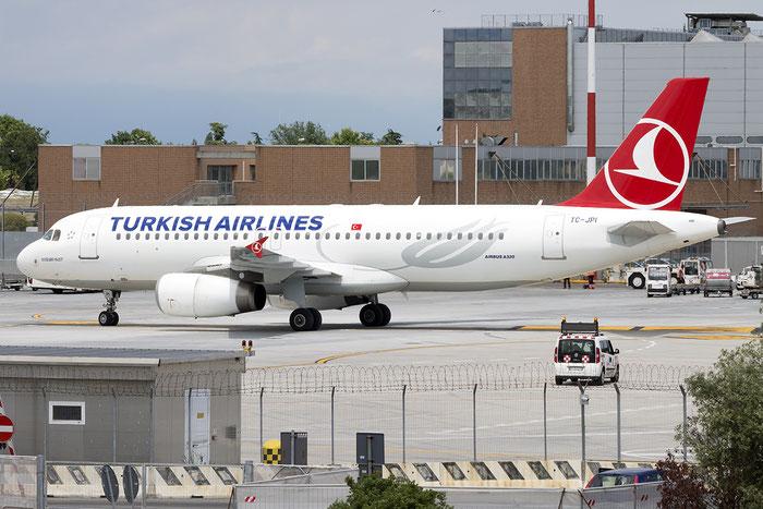TC-JPI A320-232 3208 Turkish Airlines - THY Türk Hava Yollari @ Venezia Airport 21.05.2015 © Piti Spotter Club Verona