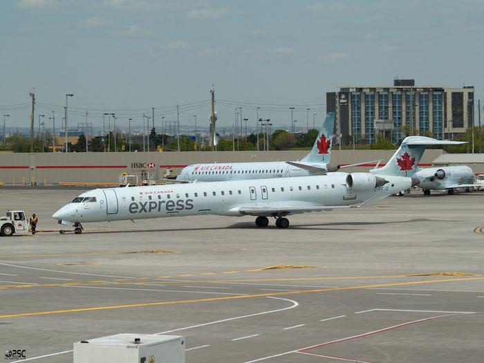 C-FCJZ  CRJ705LR  15040  Air Canada Jazz @ Toronto Pearson Airport 17.05.2013 © Piti Spotter Club Verona