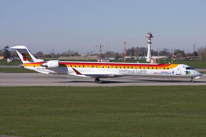 EC-LOX CRJ1000 19020 Air Nostrum @ Bologna Airport 03.12.2012 © Piti Spotter Club Verona