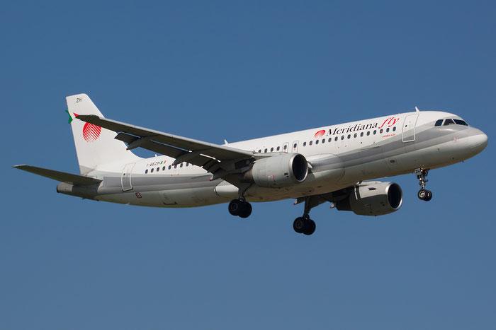 I-EEZH  A320-214  737  Meridiana Fly @ Aeroporto di Verona © Piti Spotter Club Verona