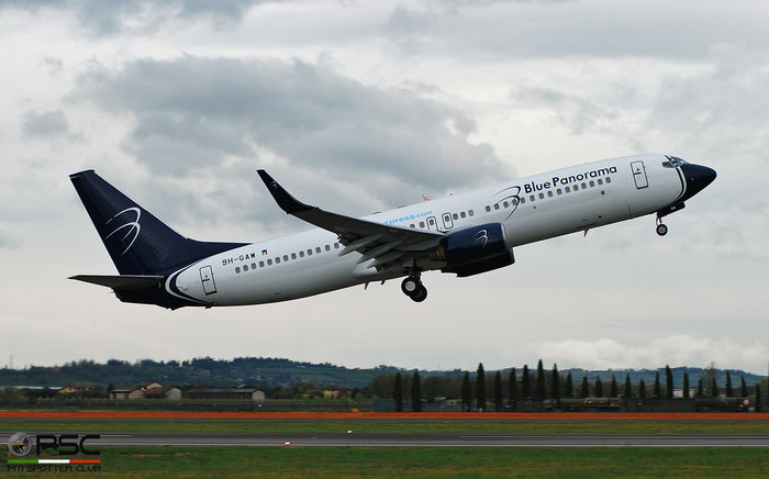 9H-GAW B737-8Z0 30072/466 Blue Panorama Airlines @ Aeroporto di Verona 04.2019  © Piti Spotter Club Verona
