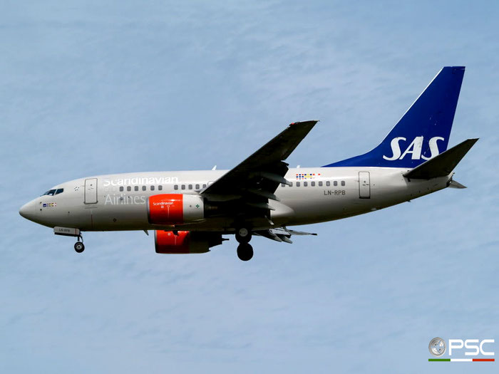 LN-RPB B737-683 28294/137 SAS Scandinavian Airlines - Scandinavian Airlines System @ London Heathrow Airport 23.05.2009 © Piti Spotter Club Verona