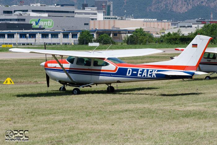 D-EAEK Reims Aviation FR182 Skylane RG C82R FR18200012 L1P Oberberg e.V. @ Aeroporto di Bolzano © Piti Spotter Club Verona