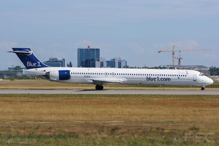 OH-BLE MD-90-30 53457/2138 Blue1 @ Helsinki Airport 2008 © Piti Spotter Club Verona