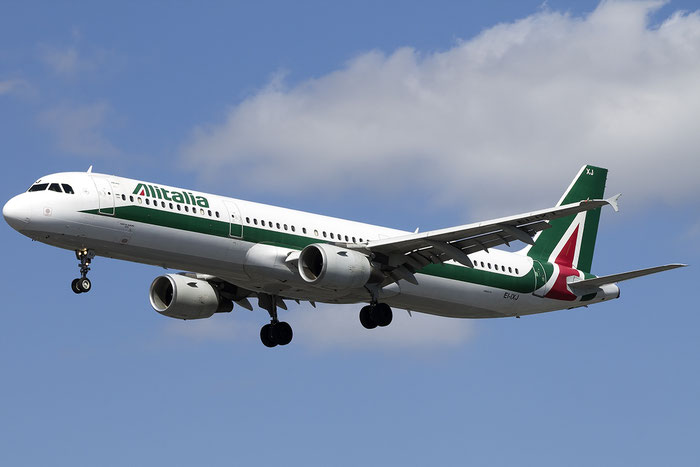 EI-IXJ A321-112 959 Alitalia @ London Heathrow Airport 13.05.2015 © Piti Spotter Club Verona