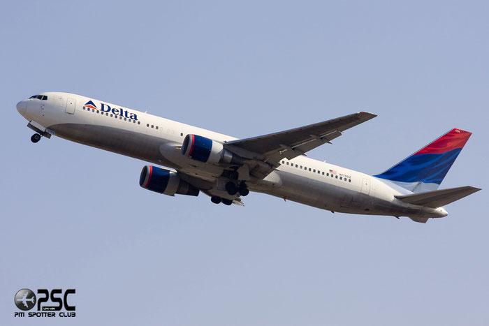 N174DZ B767-332ER 29693/725 Delta Air Lines @ Milano Malpensa Airport 12.2007 © Piti Spotter Club Verona
