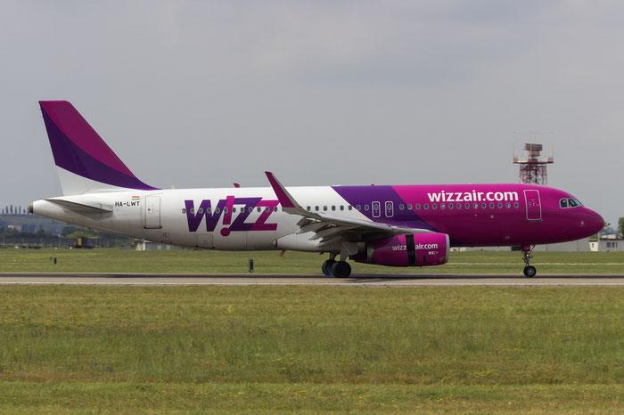 HA-LWT A320-232 5615 Wizz Air @ Aeroporto di Verona - 2016 © Piti Spotter Club Verona