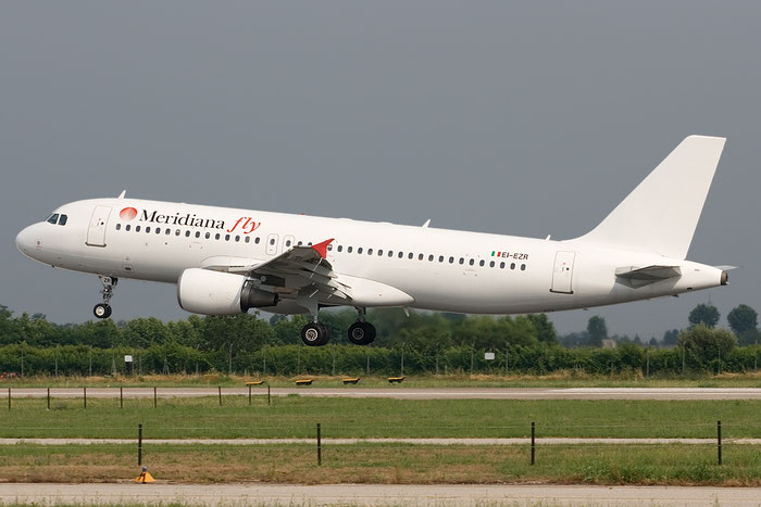 EI-EZR  A320-214  1198  Meridiana Fly  @ Aeroporto di Verona © Piti Spotter Club Verona