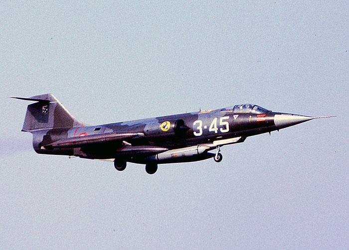 Gli F-104 del Terzo Stormo: 3-45 -  @ Aeroporto di Verona   © Piti Spotter Club Verona