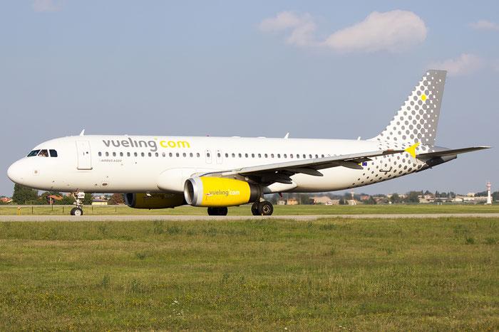 EC-LQN A320-232 2168 Vueling Airlines @ Bologna Airport 07.09.2014 © Piti Spotter Club Verona
