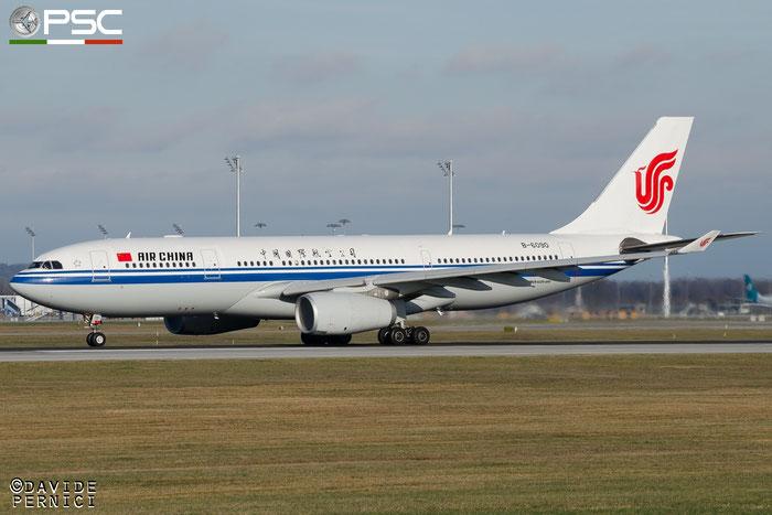 B-6090 A330-243 860 Air China @ Munich Airport 13.12.2015 © Piti Spotter Club Verona