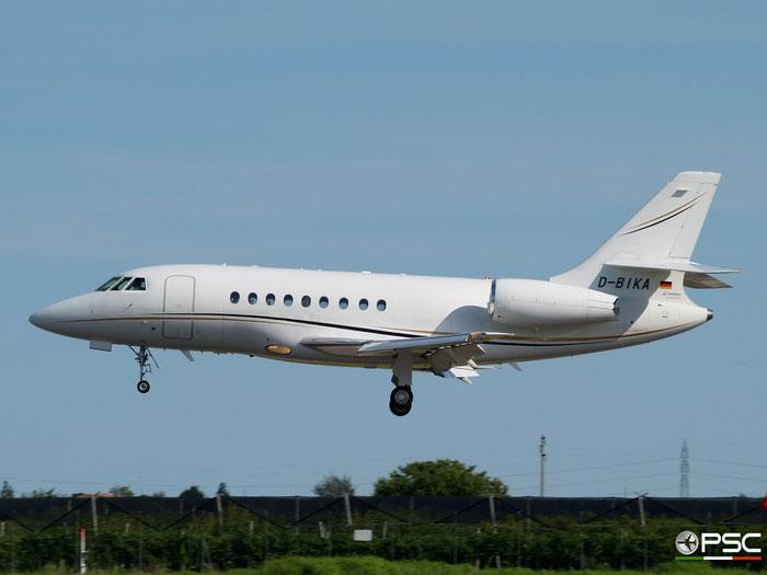 D-BIKA Falcon 2000EX-EASy 076 ACM Air Charter Luftfahrt GmbH @ Aeroporto di Verona 16.08.2008  © Piti Spotter Club Verona