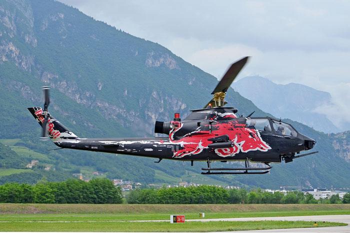 N11FX - The Flying Bulls Bell TAH-1F Cobra (209) @ Aeroporto di Trento © Piti Spotter Club Verona