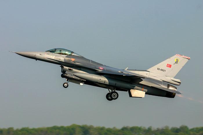 92-0021   F-16C-40-CF  4R-122  181 Filo © Piti Spotter Club Verona