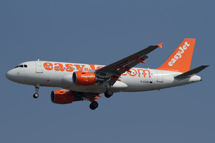 G-EZDP A319-111 3675 EasyJet Airline @ Bologna Airport 10.10.2011 © Piti Spotter Club Verona