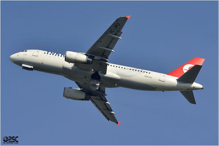 TC-JPO A320-232 3567 Turkish Airlines - THY Türk Hava Yollari @ Bologna Airport 06.12.2013 © Piti Spotter Club Verona