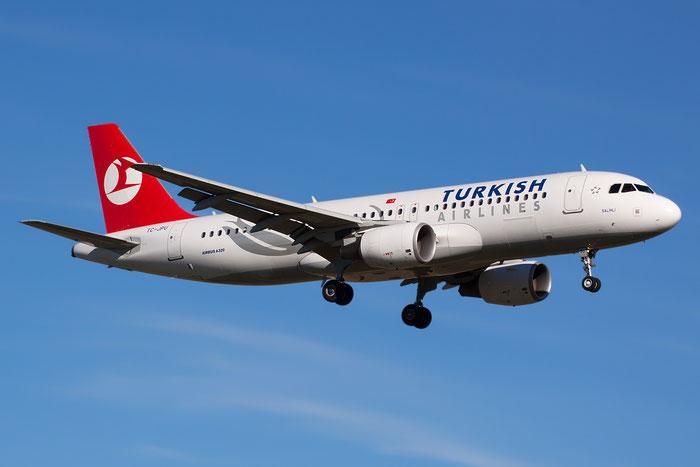 TC-JPU A320-214 3896 Turkish Airlines - THY Türk Hava Yollari @ Bologna Airport 05.02.2013 © Piti Spotter Club Verona