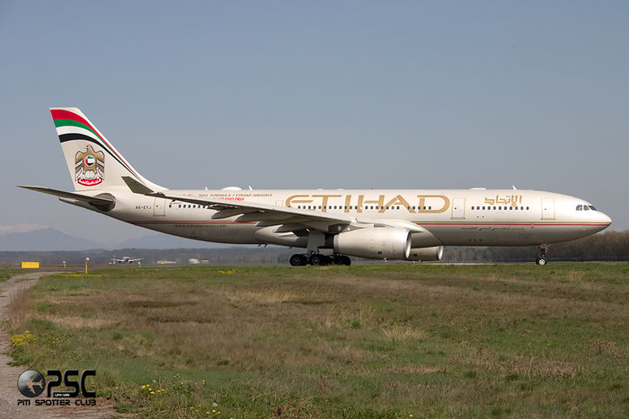 A6-EYJ A330-243 737 Etihad Airways @ Milano Malpensa Airport 06.04.2014 © Piti Spotter Club Verona