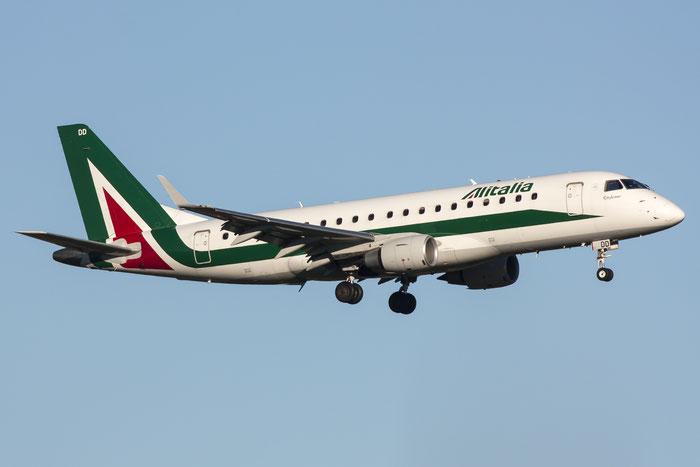 EI-RDD ERJ175STD 17000334 Alitalia CityLiner @ Trieste Airport 26.11.2013 © Piti Spotter Club Verona