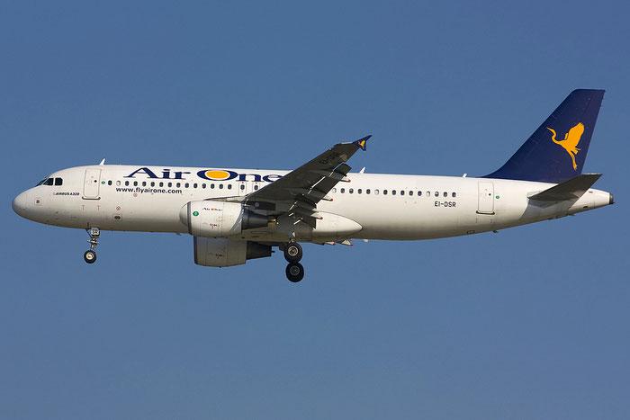 EI-DSR  A320-216  3502  Air One @ Venezia 16.06.2012 © Piti Spotter Club Verona