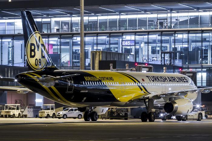 TC-JSJ A321-231 5633 Turkish Airlines - THY Türk Hava Yollari @ Zurich Airport 01.2015 © Piti Spotter Club Verona
