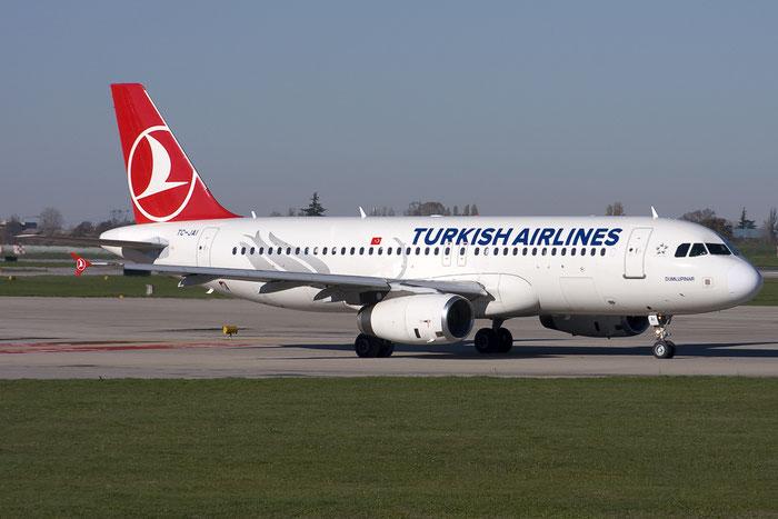 TC-JAI A320-232 3259 Turkish Airlines - THY Türk Hava Yollari @ Bologna Airport  03.12.2012 © Piti Spotter Club Verona