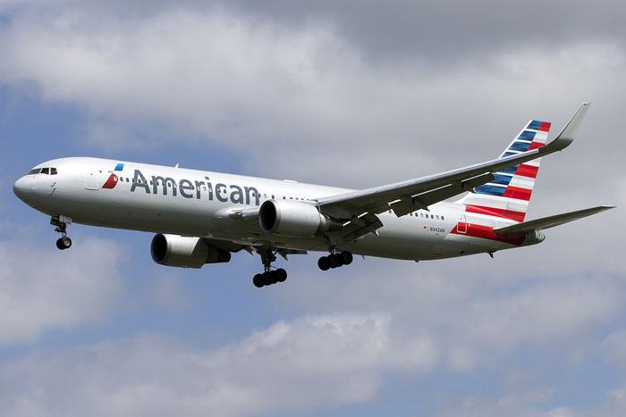 N342AN B767-323ER 33081/896 American Airlines @ London Heathrow Airport 05.2015 © Piti Spotter Club Verona