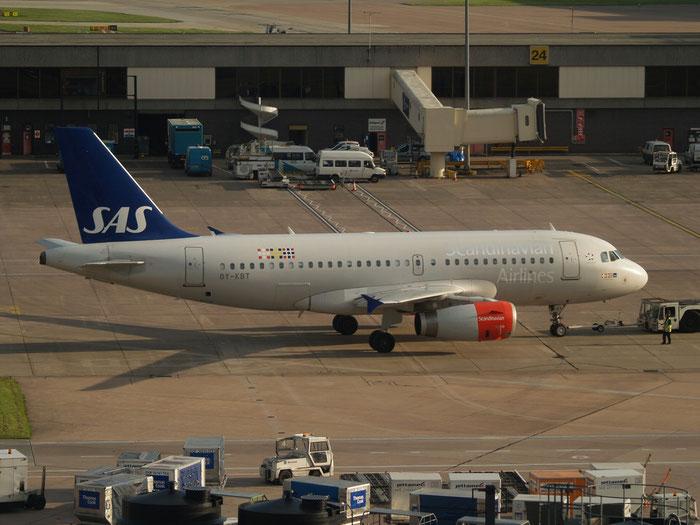 OY-KBT A319-131 3292 SAS Scandinavian Airlines - Scandinavian Airlines System @ Manchester Airport 21.07.2012 © Piti Spotter Club Verona
