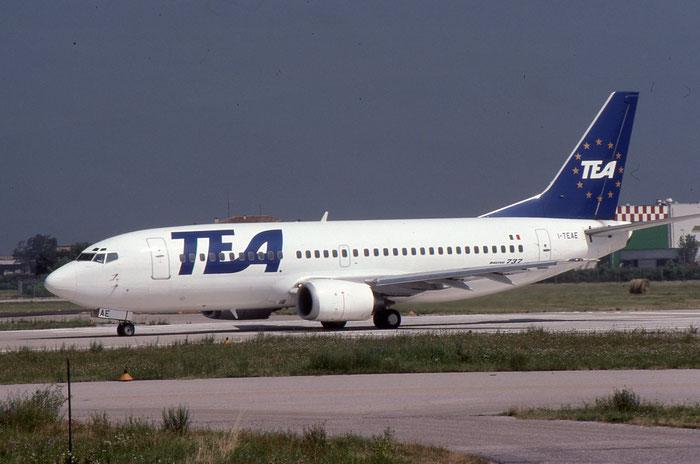 I-TEAE B737-3M8 24022/1662 TEA Italy - Trans European Airways @ Aeroporto di Verona © Piti Spotter Club Verona