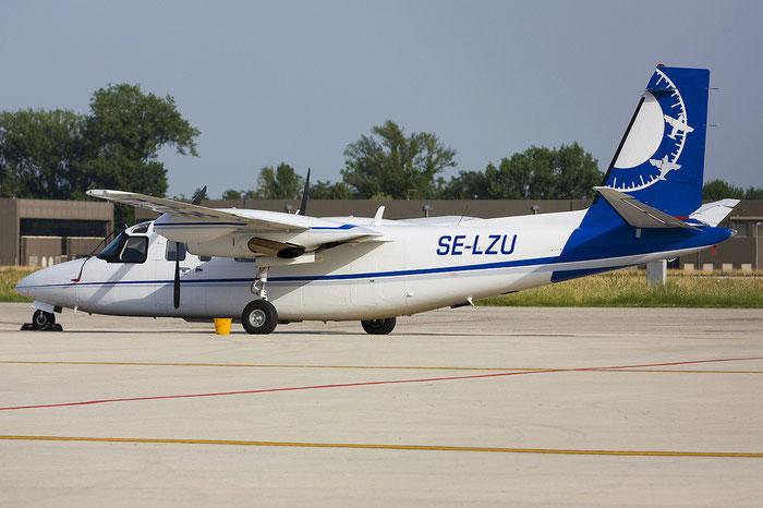 SE-LZU RC690A 11121 Aerodata Aerial Surveys @ Treviso Airport 01.07.2012 © Piti Spotter Club Verona