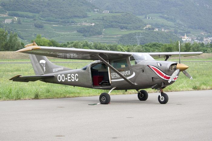 OO-ESC Cessna TU206F C206 U20602001 @ Aeroporto di Trento © Piti Spotter Club Verona