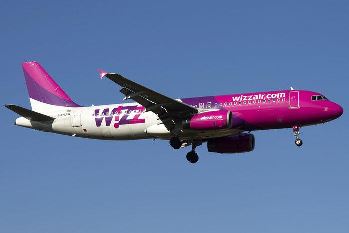 HA-LPN A320-232 3354 Wizz Air @ Treviso Airport 24.01.2015 © Piti Spotter Club Verona