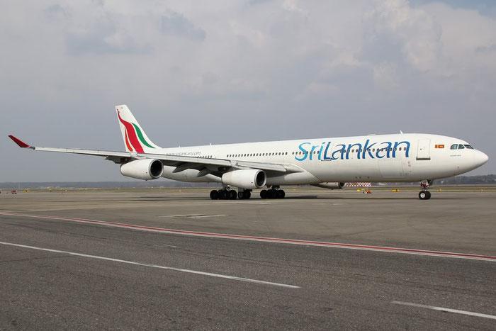 4R-ADB A340-311 33 SriLankan Airlines @ Milano Malpensa Airport 25.03.2012 © Piti Spotter Club Verona