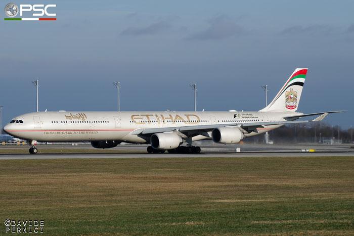 A6-EHE A340-642 829 Etihad Airways  @ Munich Airport 13.12.2015 © Piti Spotter Club Verona