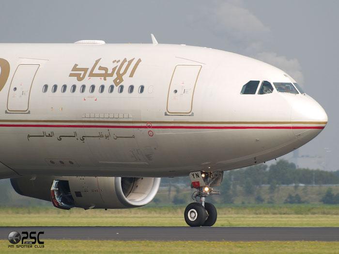A6-EYN A330-243 832 Etihad Airways @ Amsterdam Airport 20.09.2013 © Piti Spotter Club Verona