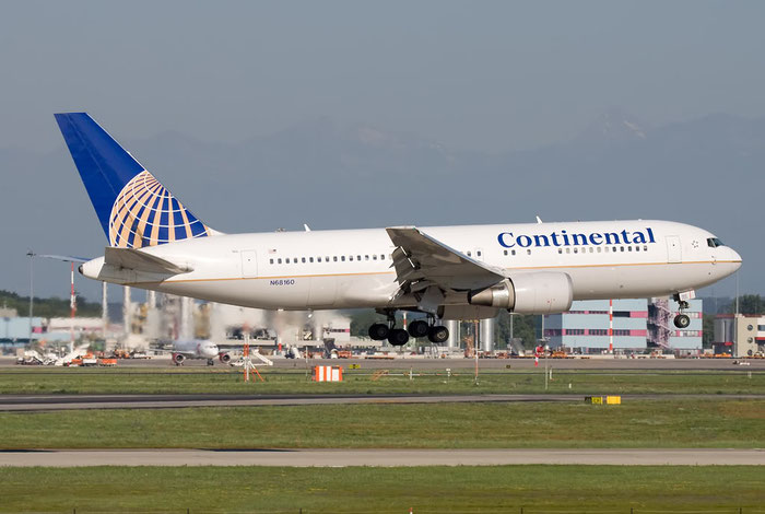 N68160 B767-224ER 30439/851 Continental Airlines @ Milano Malpensa Airport 26.06.2011 © Piti Spotter Club Verona
