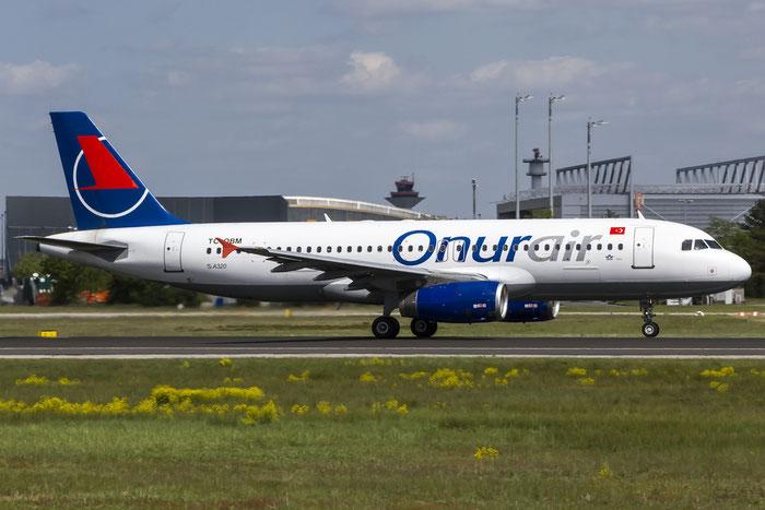 TC-OBM A320-232 676 Onur Air @ Frankfurt Airport 08.05.2015 © Piti Spotter Club Verona