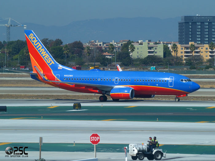 N922WN B737-7H4 32461/2620 Southwest Airlines @ Lon Angeles International Airport 18.10.2013 © Piti Spotter Club Verona