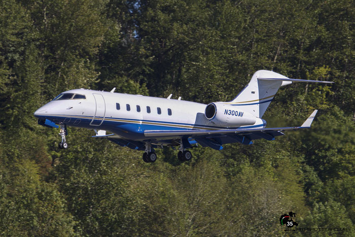N300AV CL-300 20092 Abbvie Aviation Department @ Boeing Field Airport 22.09.2015 © Piti Spotter Club Verona