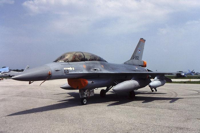 J-262   F-16B-01-CF  6E-4   @ Aeroporto di Verona   © Piti Spotter Club Verona
