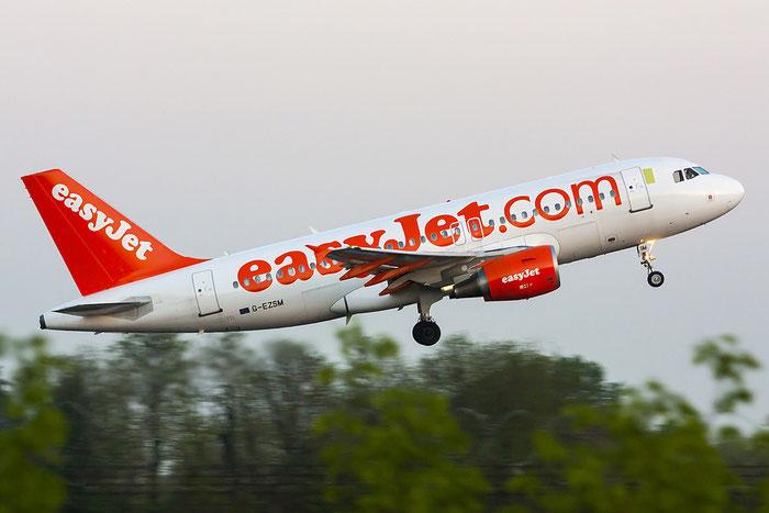 G-EZSM A319-111 2062 EasyJet Airline @ Treviso Airport 24.04.2013  © Piti Spotter Club Verona