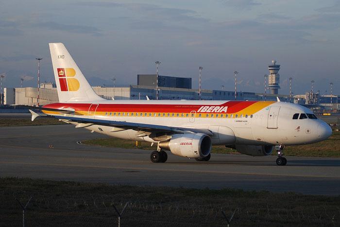 EC-KMD A319-111 3380 Iberia Líneas Aéreas de España @ Milano Malpensa Airport 23.11.2014 © Piti Spotter Club Verona