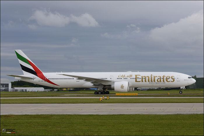 A6-EBW B777-36NER 32793/598 Emirates @ Manchester Airport 21.06.2015 © Piti Spotter Club Verona