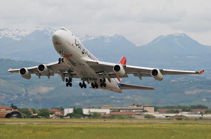 LX-UCV B747-4R7F 33827/1345 Cargolux @ Aeroporto di Verona 01.05.2018  © Piti Spotter Club Verona